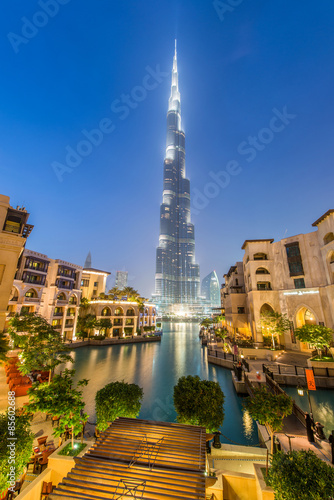 Poster Dubai Dubai - JANUARY 9, 2015: Burj Khalifa building on January 9 in U