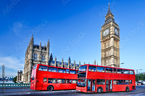 Poster Londres bus rouge Big Ben with buses in London, England