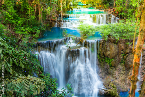 Foto auf Gartenposter Wasserfalle Beautiful waterfall in deep forest of Thailand.
