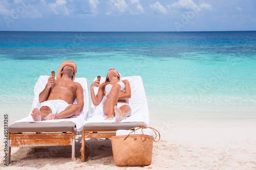 Poster Artist KB Happy couple on beach resort