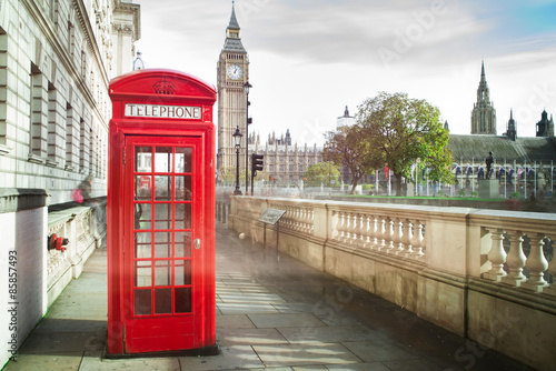 Big ben and red phone cabine in London - 85857493