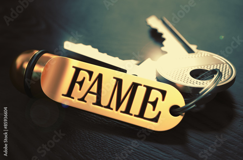 Fotografía  Fame written on Golden Keyring.