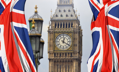 Fototapeta na wymiar Big Ben in London and English flag