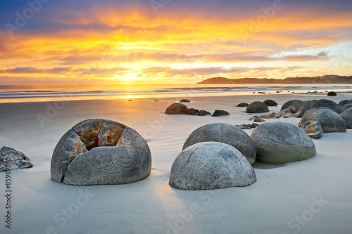Door stickers Dark grey Moeraki Boulders Neuseeland