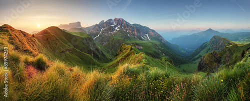 Fotobehang Alpen Mountain sunrise panorama in Dolomites, Passo Giau