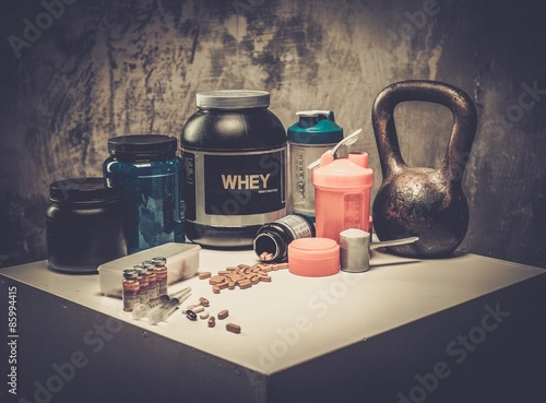 Fotografie, Obraz  Bodybuilding nutrition supplements and chemistry