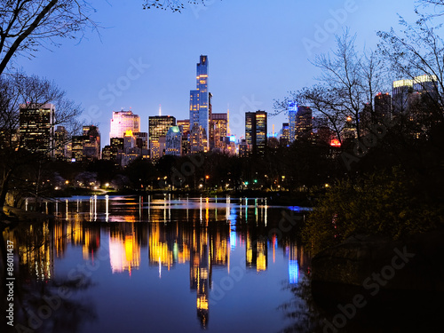 Cuadros en Lienzo Central Park in dusk,  New York City