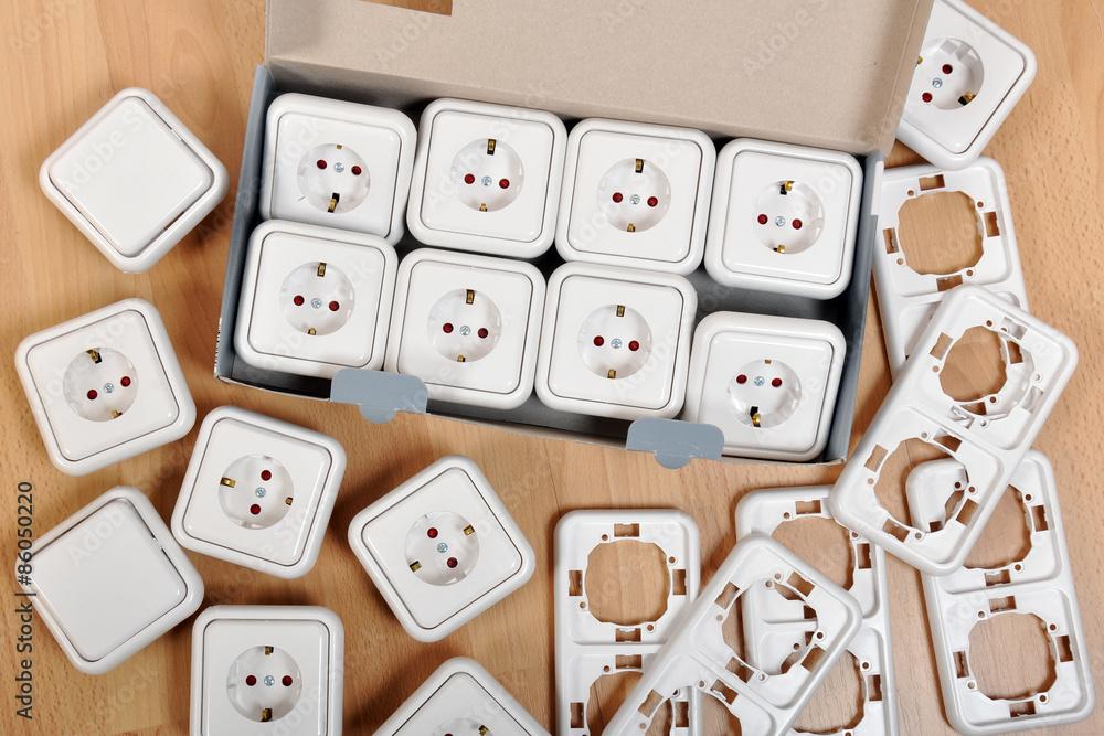 Foto auf AluDibond Steckdosen und Schalter wie Lichtschalter mit ...