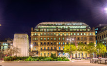 Cenotaph War Memorial And The GPO Building On George Square In G