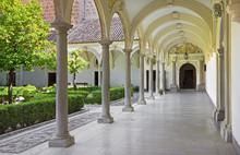 Granada - Atrium Of Church Mon...