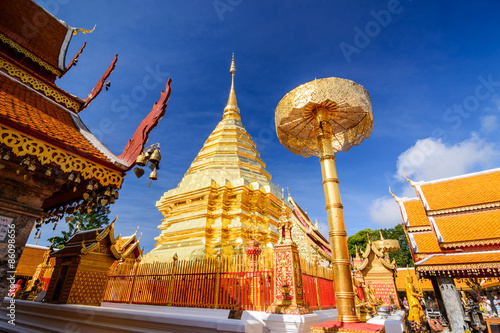 Foto  Wat Phra That Doi Suthep is tourist attraction of Chiang Mai, Th