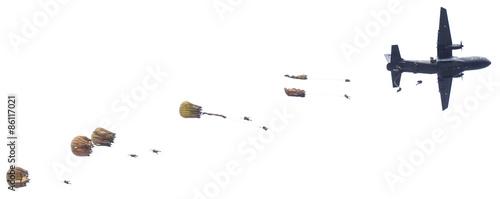 Fotografie, Obraz  largage de parachutistes sur fond blanc