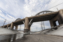 Los Angeles River And 6th Stre...
