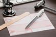 Leinwandbild Motiv Rezept für Medikamente auf dem Schreibtisch einer Arzt Praxis