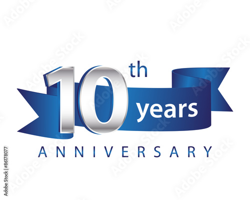 Fotografía 10 Years Anniversary Logo Blue Ribbon