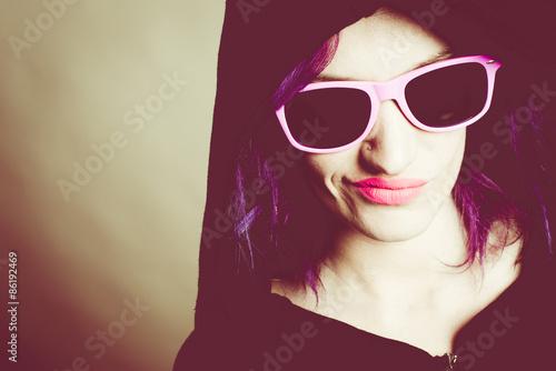 Fotografija  hooded rebel girl