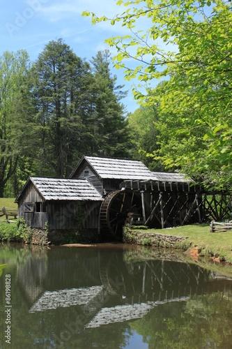 Aluminium Prints Mills Partie an der berühmten Mabry Mill in den Bergen von Virginia