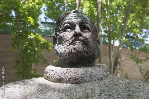 Photo Ernest Hemingway Statue outside of Pamplona bull ring (Spain)