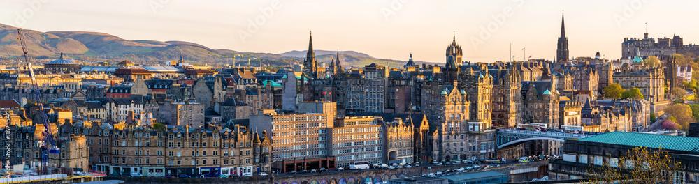 Fototapeta Panorama of the city centre of Edinburgh - Scotland