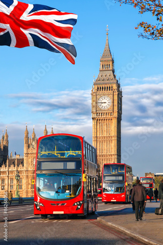 Poster Londres bus rouge Big Ben with buses in London, England, UK