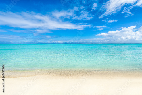 Foto-Schiebegardine Komplettsystem - Weißer Strand und blaues Meer auf den Malediven (von eyetronic)
