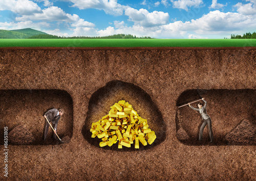 Fotografia, Obraz  Business people dig a tunnel to treasure