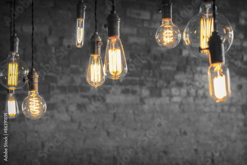 Valokuvatapetti Edison Lightbulbs