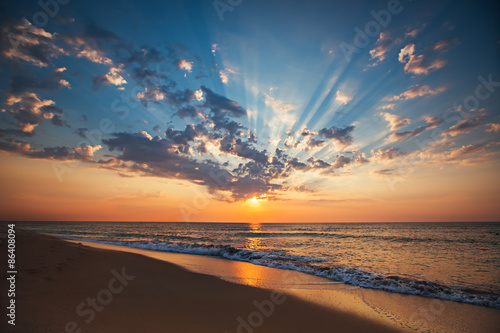Poster Mer coucher du soleil Beautiful cloudscape over the sea, sunrise shot