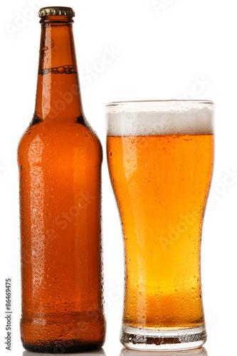 butelka-i-kieliszek-piwa