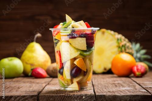 Foto op Aluminium Vruchten Fruit salad to go