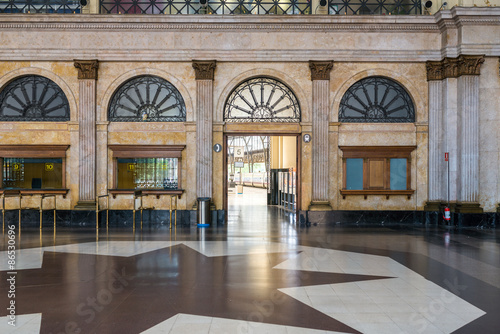 """Foto auf AluDibond Bahnhof Concourse in the """"Estacio de Franca"""" the France Station in Barcelona. The station was rebuild 1929 in kind of classical and more modern styles, in modernisme and art deco"""