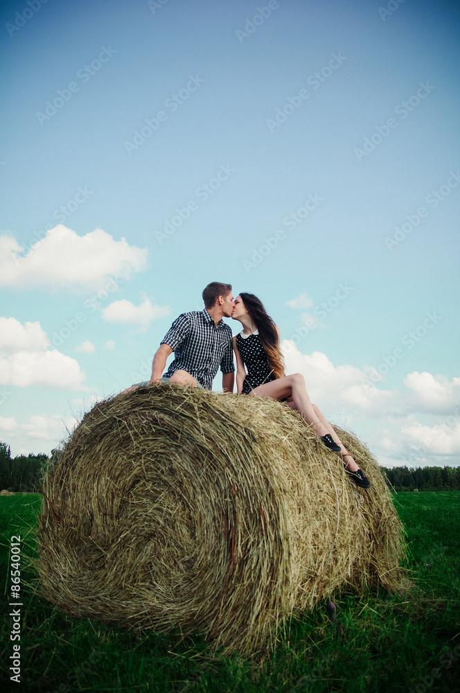 Картинки со словами любовь в стогу сена