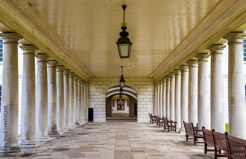 Fotografiet Colonnade in National Maritime Museum in Greenwich, England