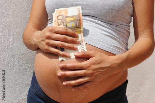 Photo Embarazo por encargo, vientre de alquiler