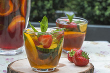 Refreshing PImms Cocktail With Lemonade