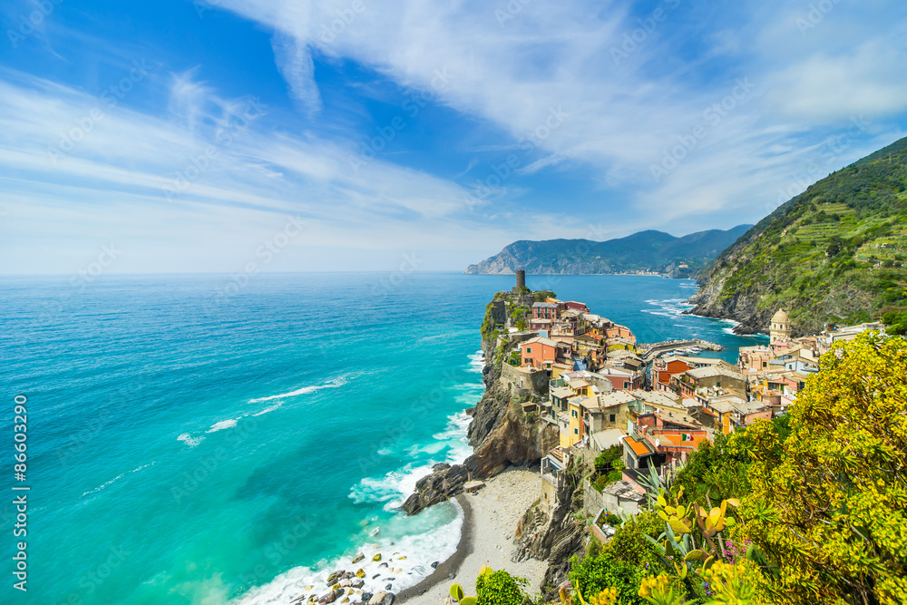 Fototapety, obrazy: Old town on the rocks Liguria Italy