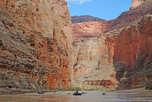 Rafting The Grand Canyon In Ar...