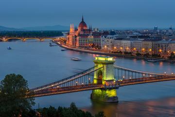 Fototapeta na wymiar Budapest Chain Bridge