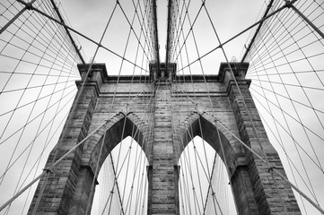 Obraz na PlexiBrooklyn Bridge New York City close up architectural detail in timeless black and white
