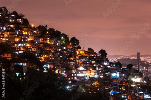 Fotografija  Rio de Janeiro Slums on the Hill at Night