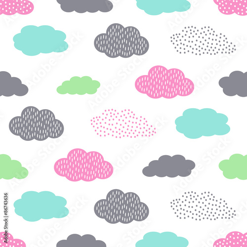 Tela Colorful seamless pattern with clouds for kids holidays