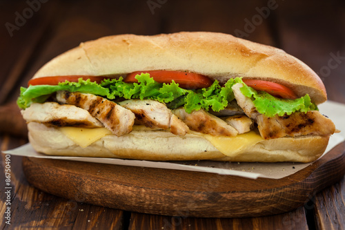 Fotobehang Snack Grilled chicken sandwich