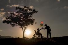 Engelli çocuk Ve Kardeş Sevgisi