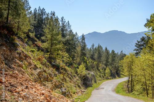 Fototapeta góry droga-w-gorach