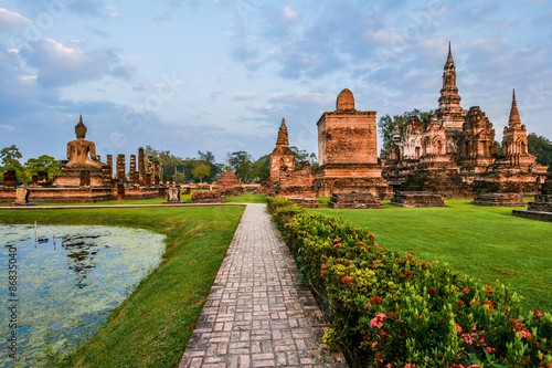 Fotografie, Obraz  Wat Mahathat, the old city of Sukhothai, Thailanda