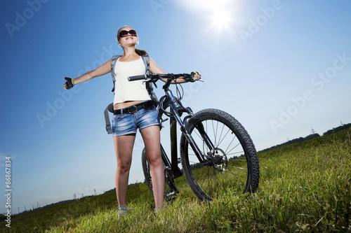 Keuken foto achterwand Ontspanning Summer bike walk