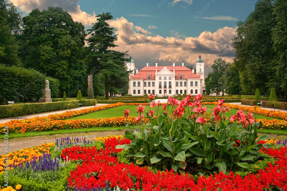 Fototapety, obrazy: Garden in the French Baroque style. Kozlowka, Poland.