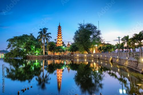 Fotografie, Obraz  Tran Quoc pagody