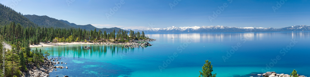 Fototapeta High resolution panorama of Lake Tahoe with view on Sand Harbor State park