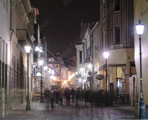 Fototapeten Schmale Gasse Night street scene in Bucharest old city.